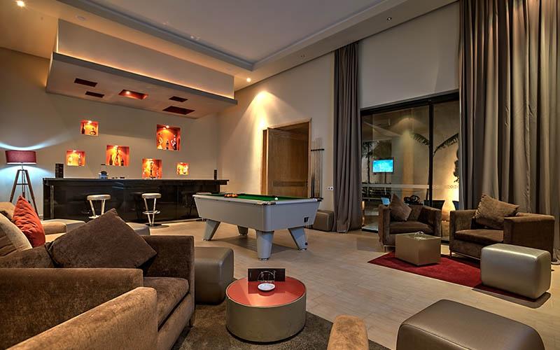Billard Sirayan Hotel